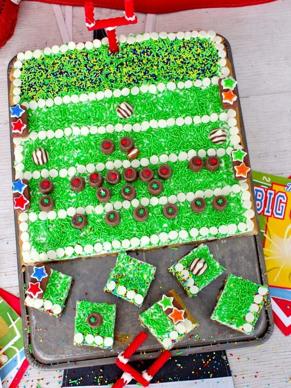 Cake Decorated Like Football Field : Football Field Chocolate Chip Cookie Cake The BakerMama
