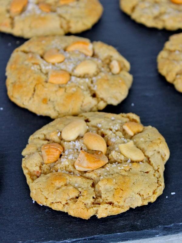 Cashew Crunch Cookies
