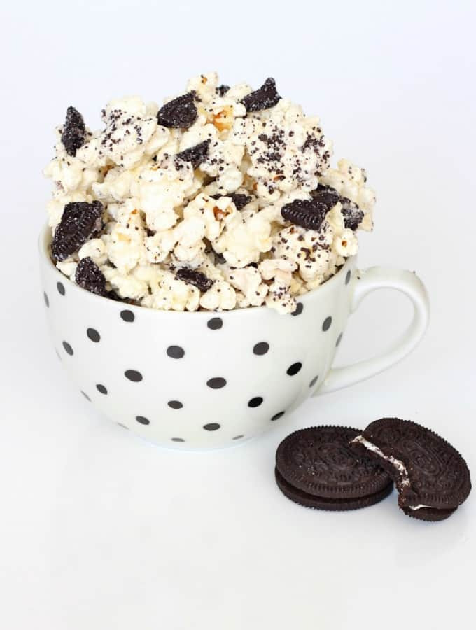 Cookies and Creme Popcorn