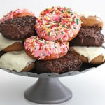 2-Ingredient Baked Cake Donuts