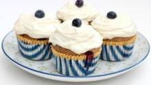 Healthy Whole Wheat Blueberry Breakfast Cupcakes