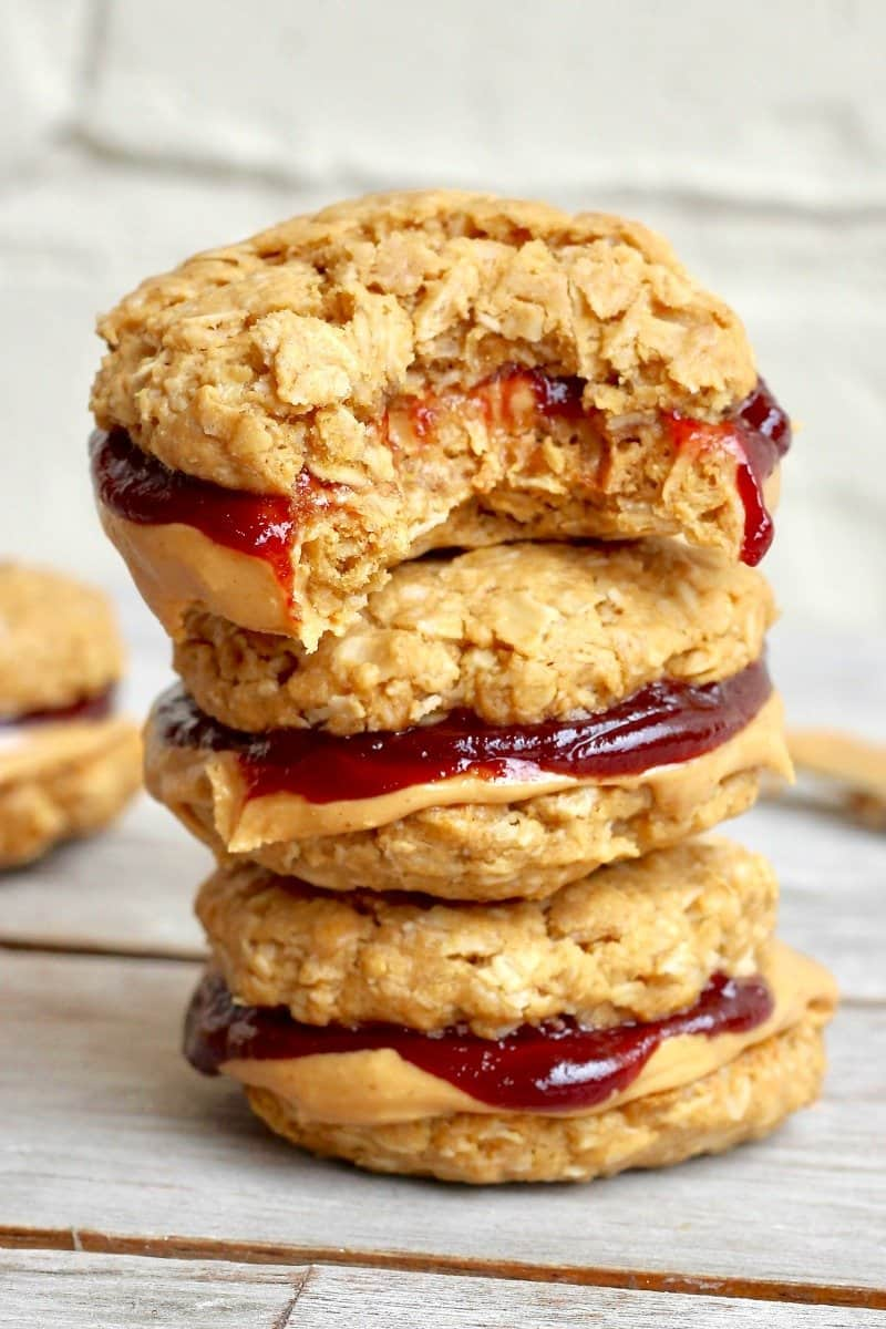 Healthy Flourless Peanut Butter & Jelly Cookie Sandwiches ...