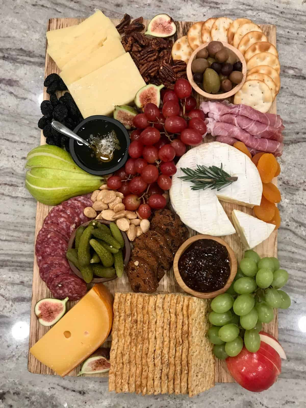 How to Build a Beautiful Cheese and Charcuterie Board with The BakerMama