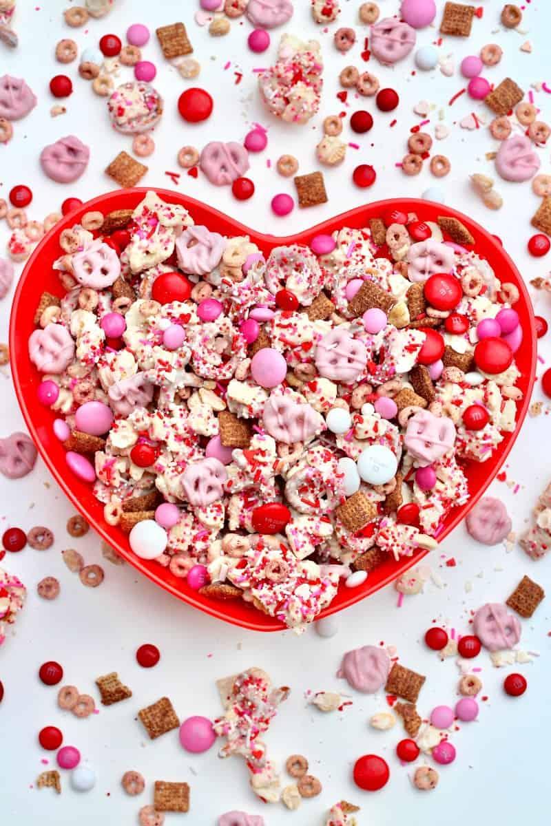 Valentine Sweetheart Snack Mix