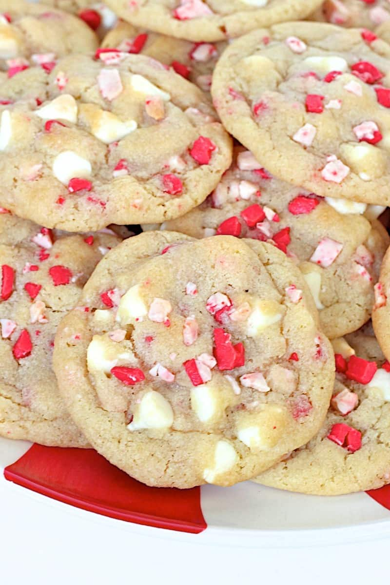 Peppermint White Chocolate Chip Pudding Cookies from TheBakerMama.com