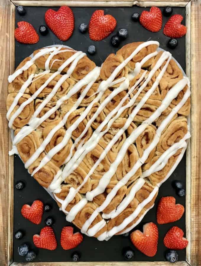 Pull-Apart Cinnamon Roll Heart
