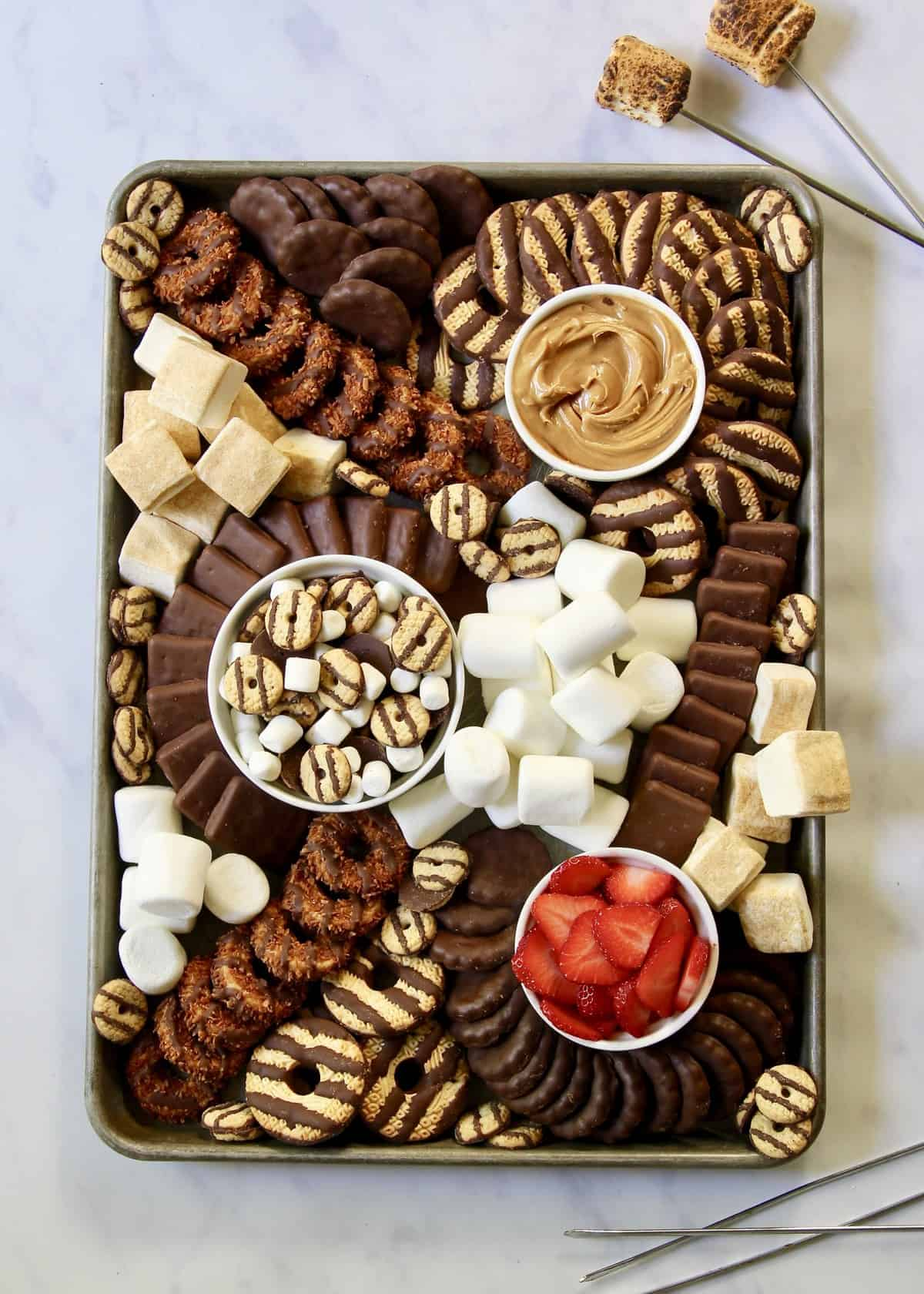 Keebler Cookies S'mores Tray by The BakerMama