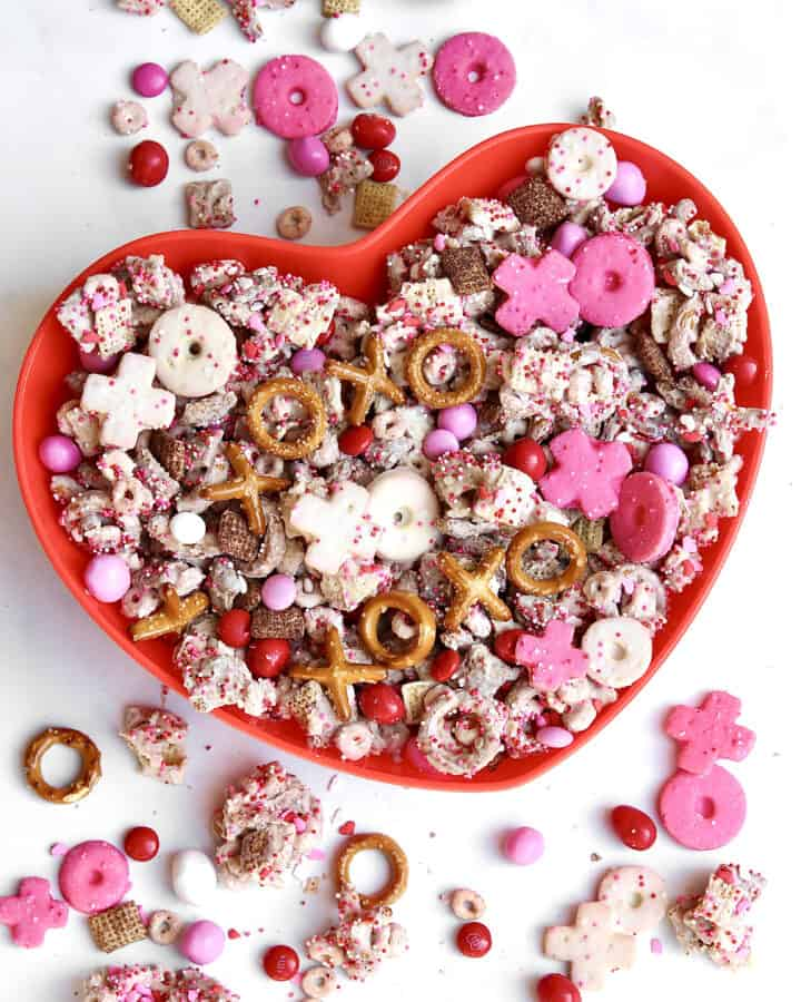 XOXO Valentine's Day Snack Mix