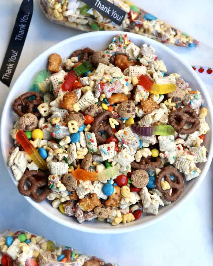 Teacher Appreciation Day Snack Mix by the BakerMama