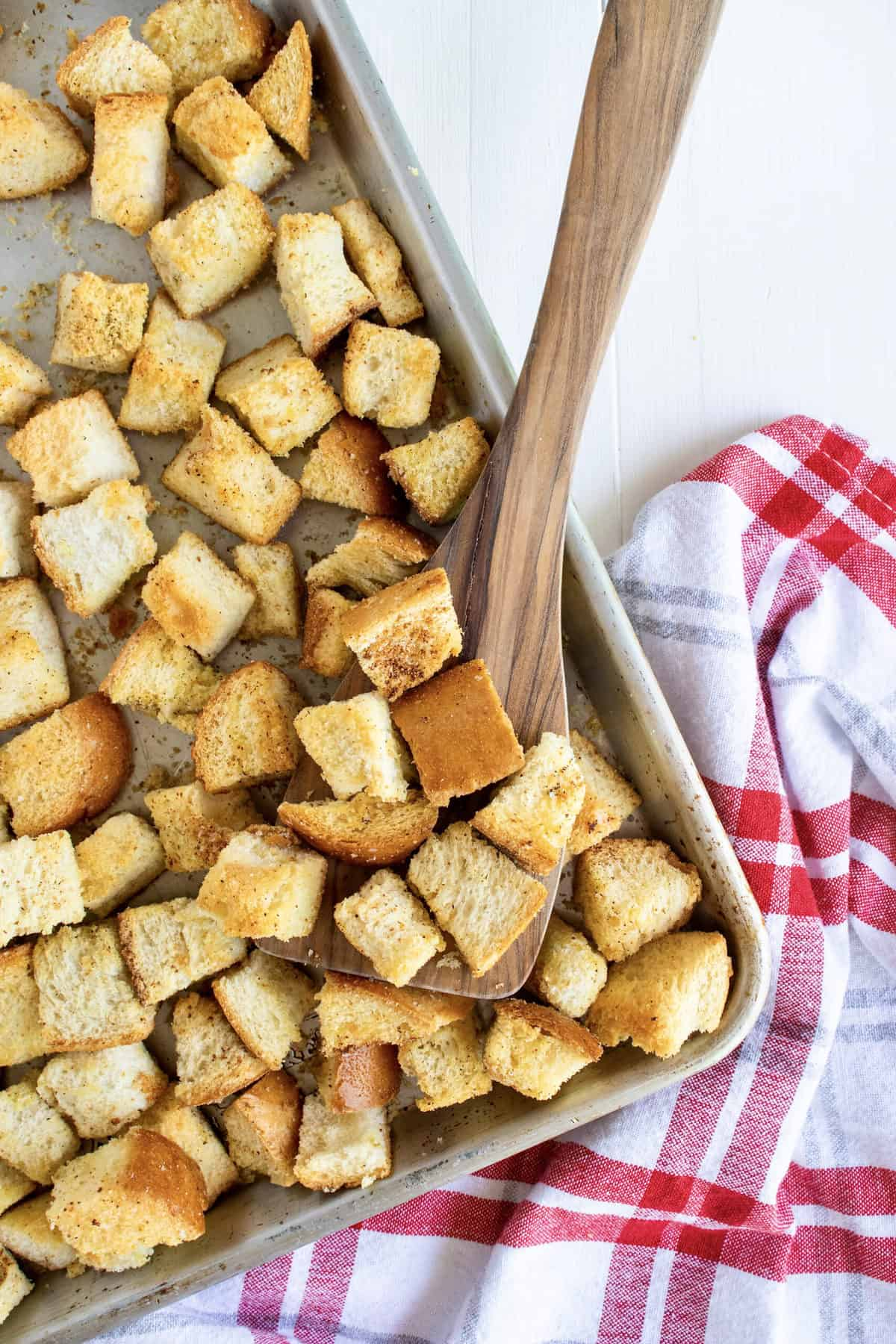 Homemade Croutons by The BakerMama